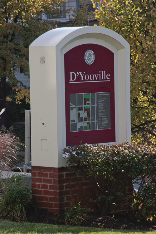 Dyouville_sign_fall_day